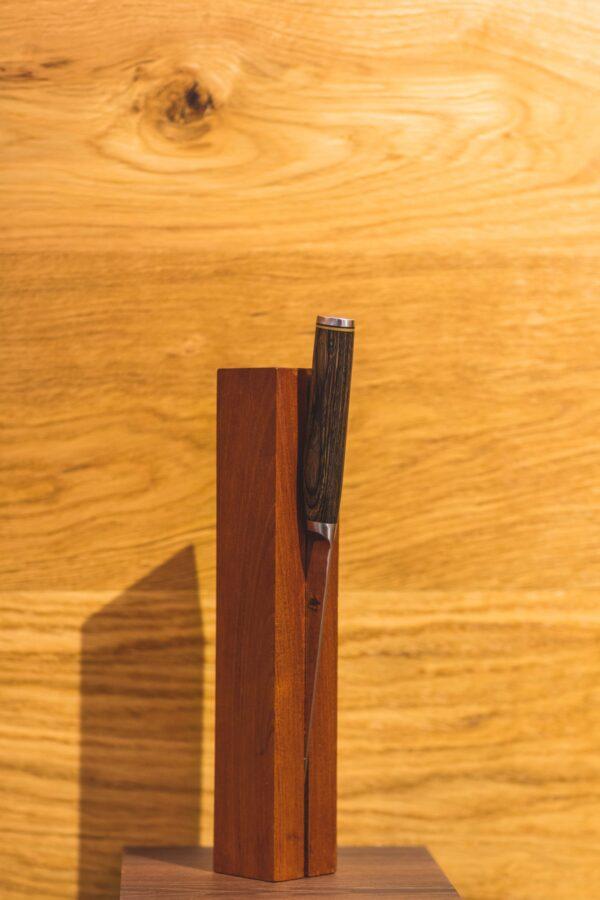 Messerhalter aus Recyclingholz
